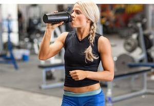 femme shaker proteine