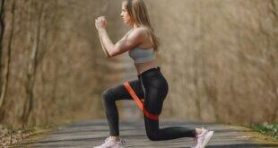 6 exercices avec des bandes élastiques pour faire grossir vos triceps